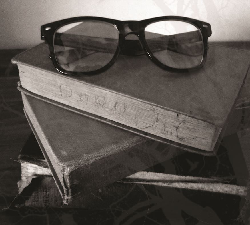 2017 05 glasses and book for travel article